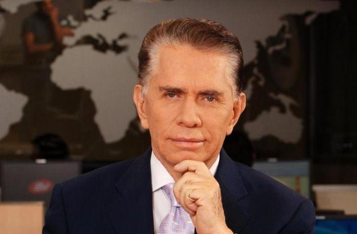 El famoso presentador de noticias del Ecuador Alfonso Espinosa de los Monteros a fallecido el día de hoy al ser internado de urgencia tras vacunarse.